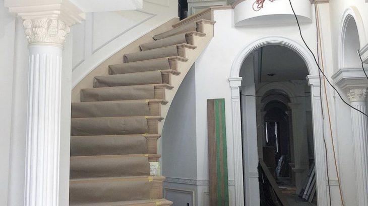 建築中 -サーキュラー階段-